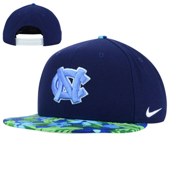 Nike NCAA North Carolina Tar Heels Black True Snapback Floral Hat