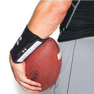 Under Armour Undeniable Wrist Coach Black 1260795-001