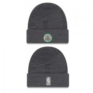 New Era NBA Boston Celtics Training Séries Cuffed Knit Hat