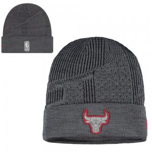 New Era NBA Chicago Bulls Training Series knit 2019
